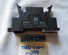 IDEC RF1V-3A1BL-D24 Relay & SF1V-4-07L Socket