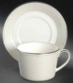 Monique Lhuillier for Royal Doulton ATELIER- Tea Saucer&Tea Cup  Suit
